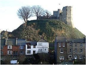 Lewes Castle today 2.jpg